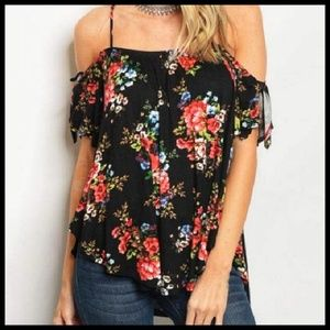 🌹LAST ONE! Cold Shoulder Floral Top NWT